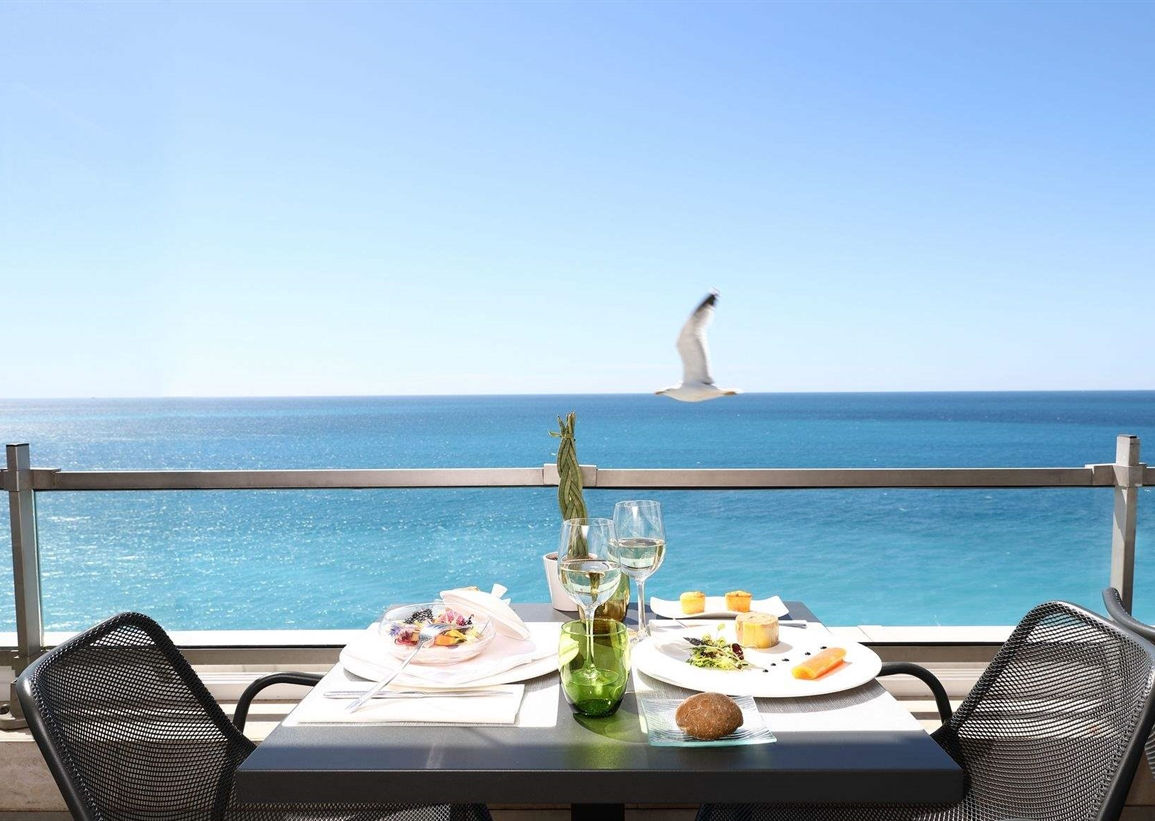 Dining with view of sea